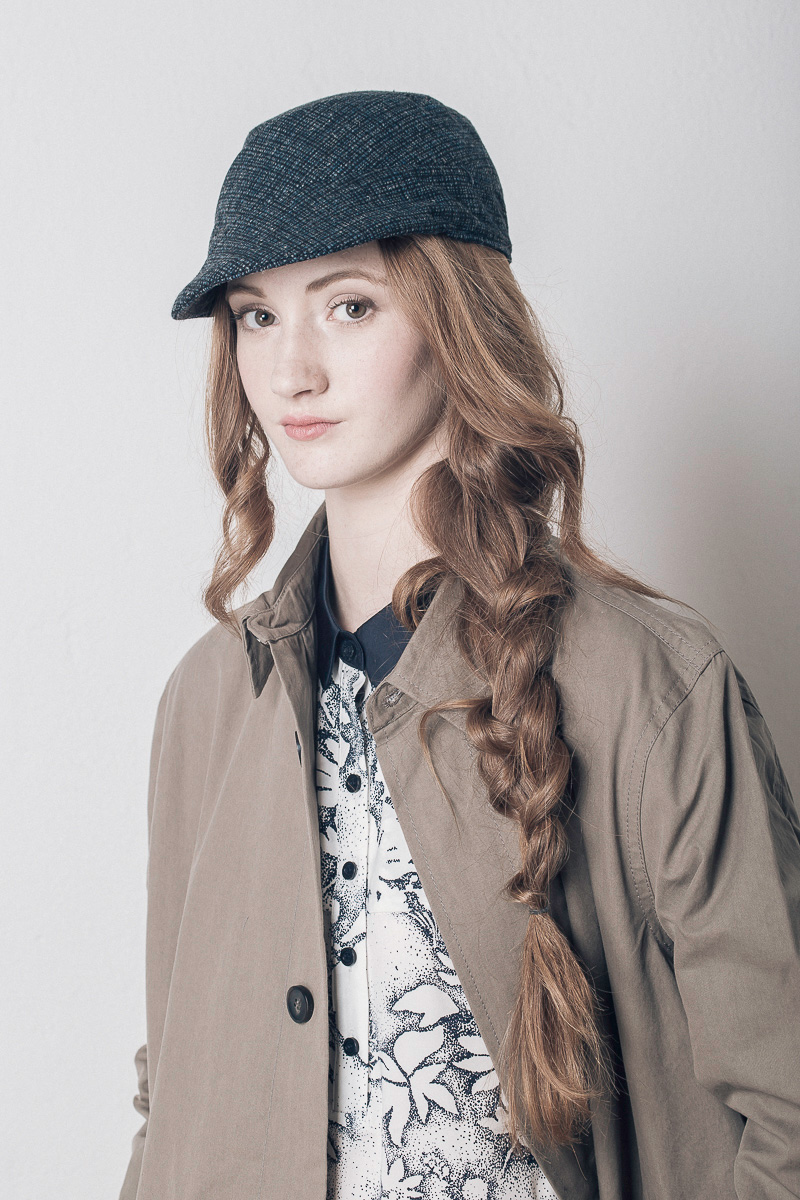 Gorra de lana Buffuna. Forro de algodón, patronaje asimétrico para el invierno.